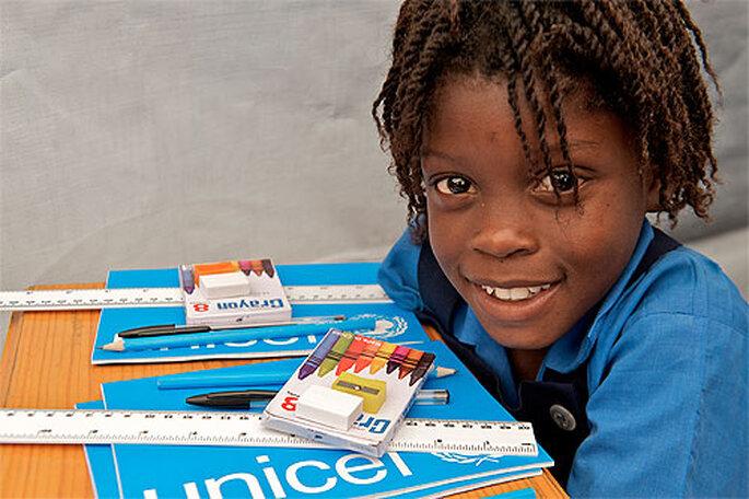 Le cadeau bleu UNICEF, une bonne idée pour partager le bonheur de votre mariage. Photo: UNICEF