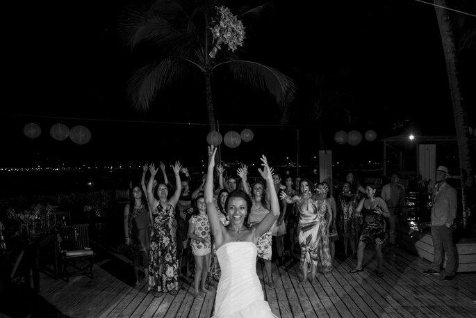 fotografo-de-casamento-mogi-das-cruzes-andre-martins-book-de-casal-paula-e-chang-ilhabela-seaclub-1046