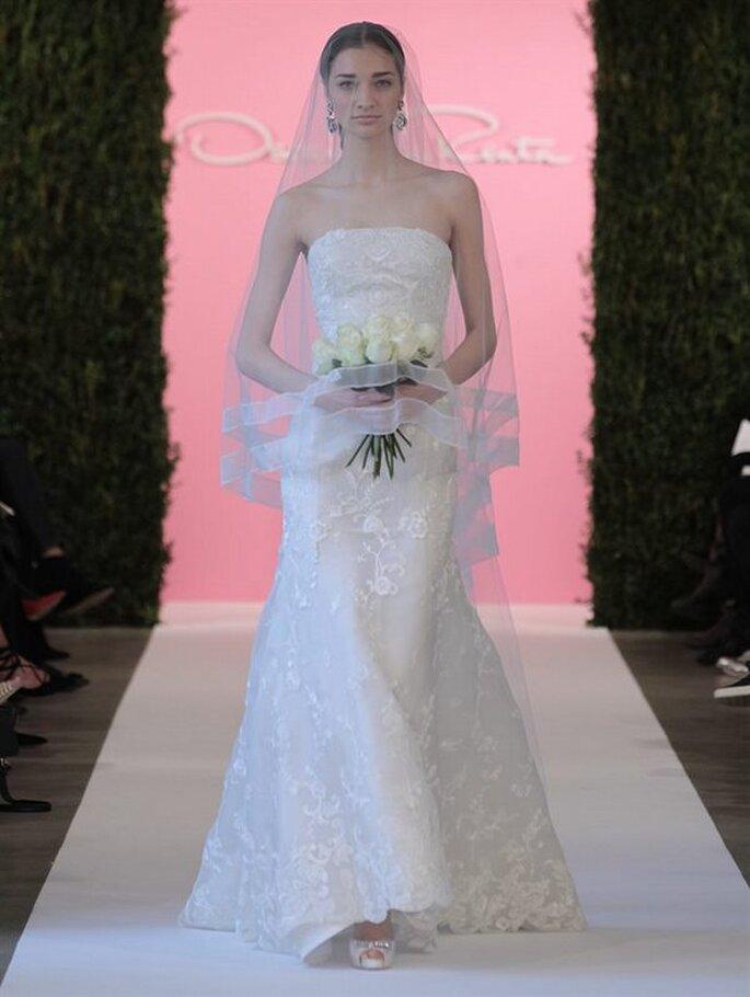 Vestido de novia strapless de Oscar de la Renta - Colección Primavera 2015. Foto: www.oscardelarenta.com