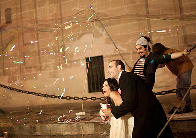 Las fotos espontáneas acaban siendo las más bonitas de la boda.
