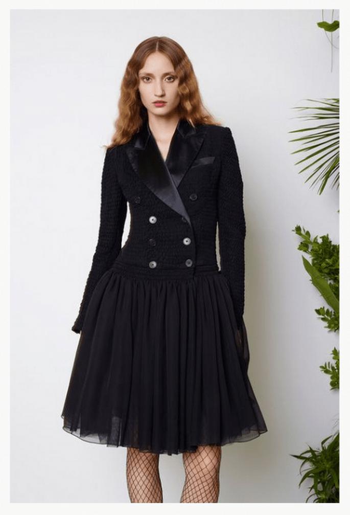 Vestido de fiesta 2014 en color negro con detalle superior estilo saco y falda de tul - Foto Jean Paul Gaultier