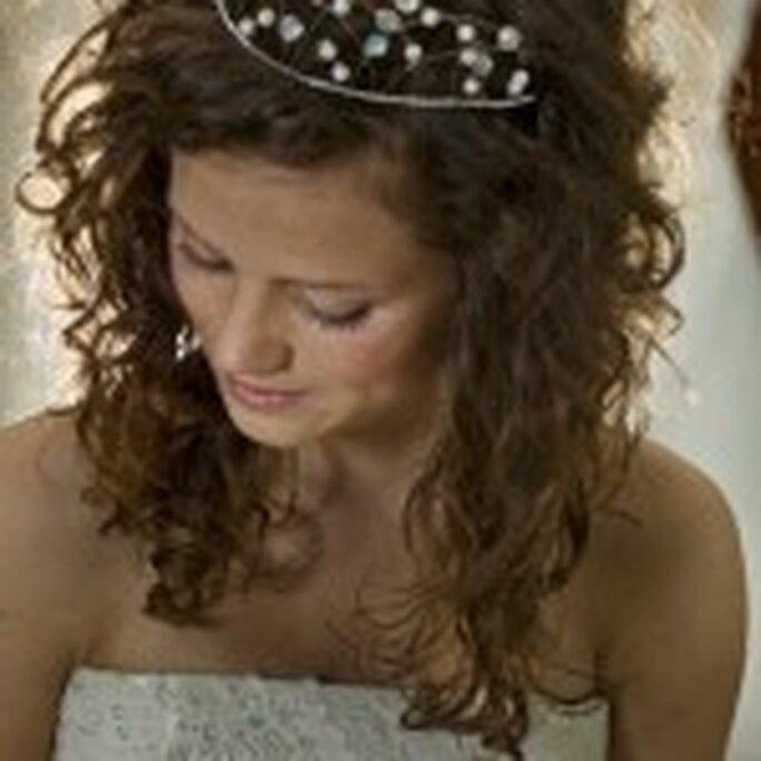 Le diadem peut être élégant et accentuer votre coiffure