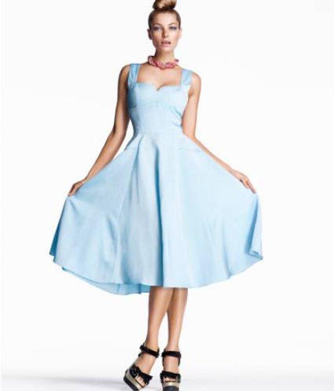 Vestido azul claro estilo vintage de H&M. Foto: www.hm.com