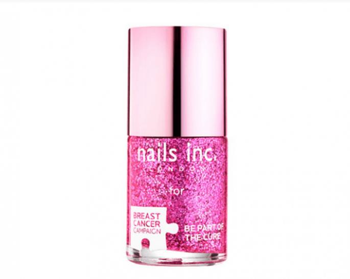 Barniz en color rosa para apoyar la prevención del cáncer de mama - Foto Nails Inc