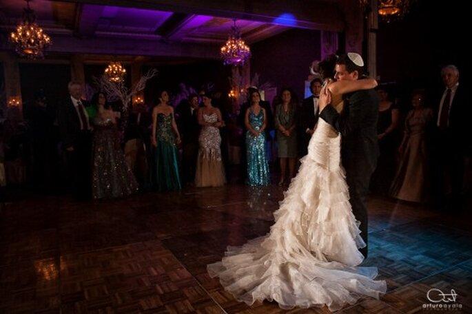 No te olvides de tu primer baile, ya que de él podrás sacar lindas fotos - Foto Arturo Ayala