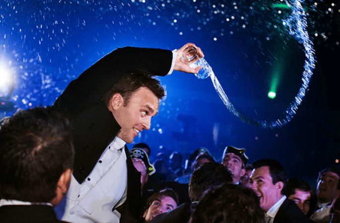 Auch auf der Hochzeitsfeier herrscht Etikette – Foto:  Erick Pozos