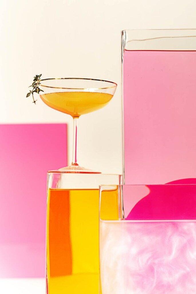 Cocktails sind ein beliebtes Getränk bei Hochzeiten – Foto: bhldn