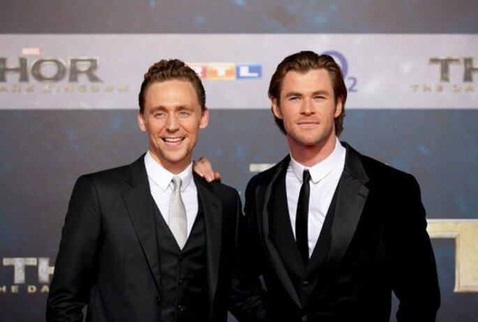 """El look de Tom Hiddleston y Chris Hemsworth en la premiere de """"Thor: The Dark World"""" - Foto Thor Facebook"""