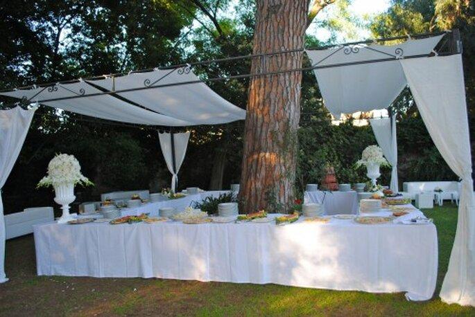 Aperitivos para la entrada de banquete de boda. Foto de Whitechicwedding