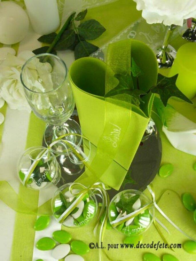 Déclinez votre thème de mariage sur vos tables ! - Photo : decodefete.com