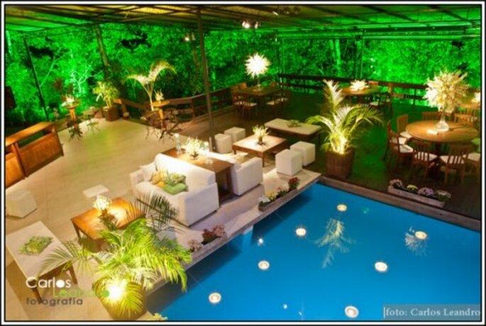Espacio lounge junto a la piscina. Imagen Carlos Leandro