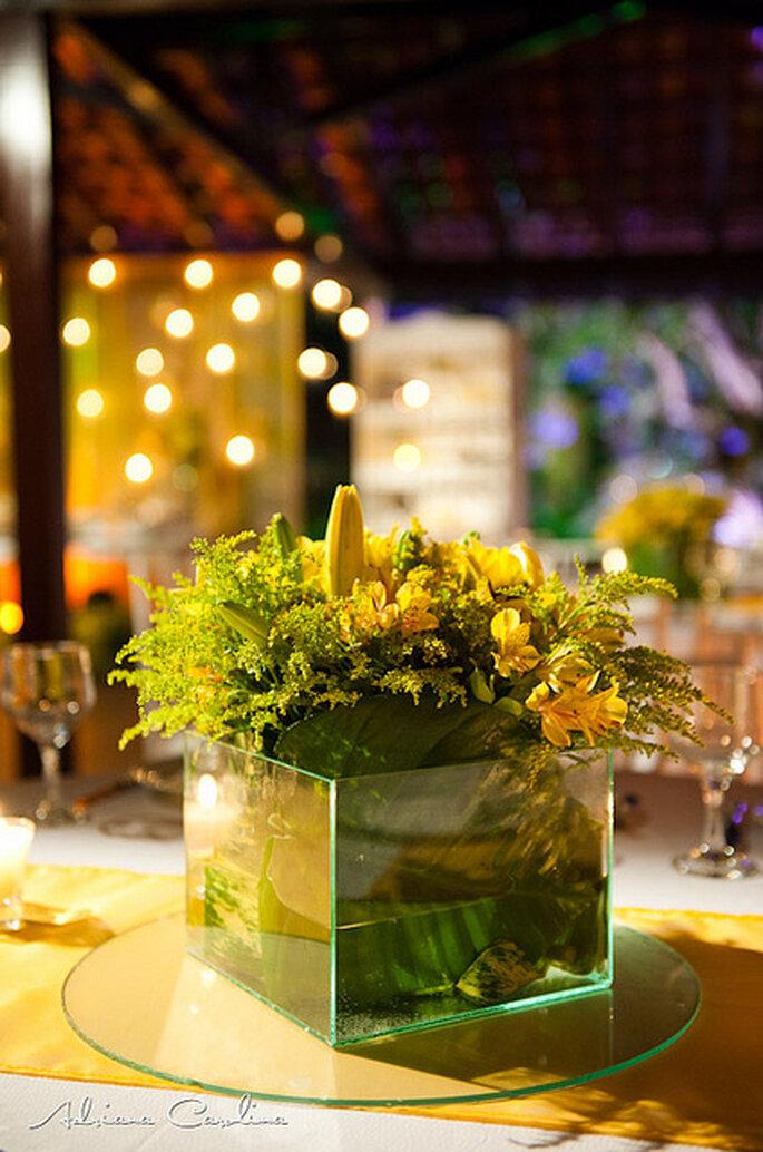 Centro de mesa de flores amarillas. Foto: Adriana Carolina