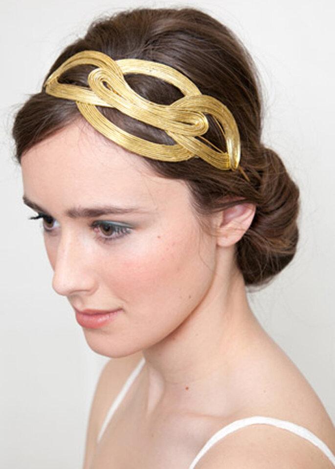 Diadema para novia con entrelazados en color dorado - Lia Terni