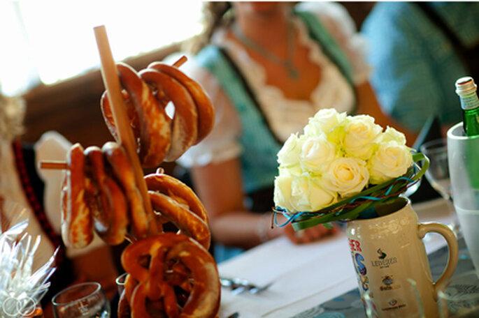 Hochzeit auf bayrisch: Nicht ohne Brezen und Bier !! // Foto: Katja Schünemann
