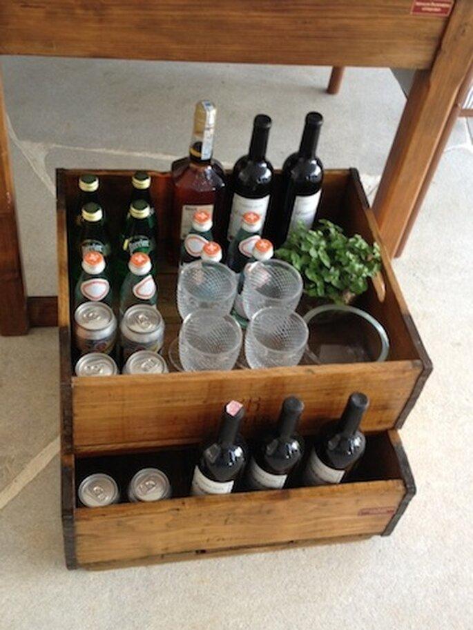 Recupere e reutilize caixas de madeira para fazer um pequeno bar Casa Cor 2013. Arquiteto Dado Castello Branco. Foto -  Mariana Ortigão