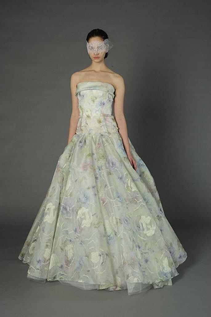 Vestido de novia en tonos pastel. Foto de Douglass Hannan