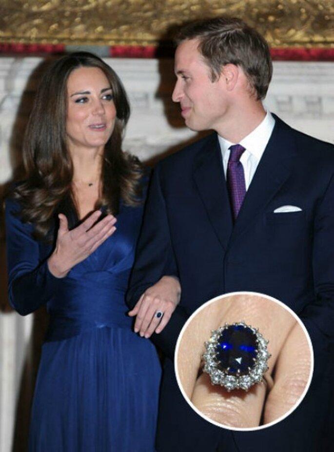 Il prezioso anello di zaffiro e diamanti, appartenuto a Lady Diana, e ora al dito della nuora Kate Middleton, moglie del Principe William. Foto www.leiweb.it