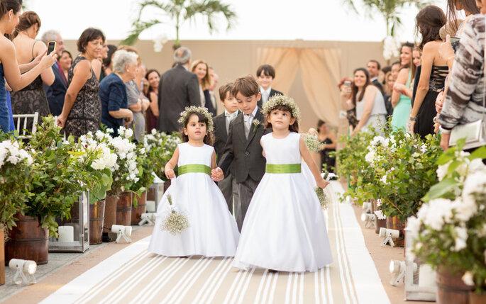 entrada-daminhas-e-pajens-casamento-moderno