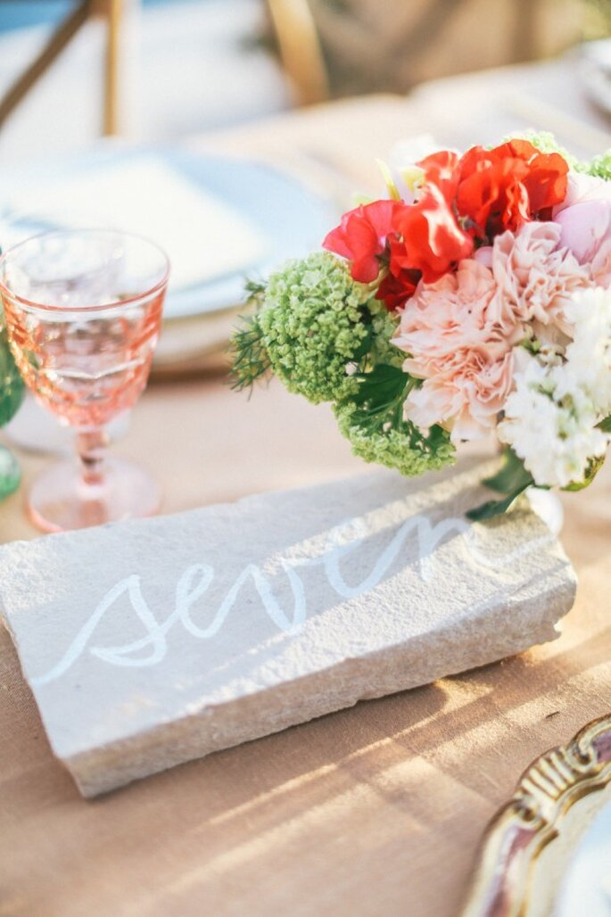 Indicadores de mesa para el banquete de tu boda - Foto Max Wanger