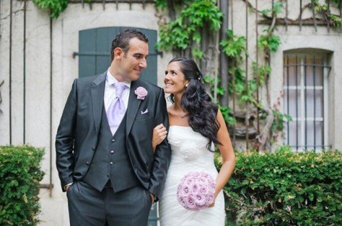 Combina el boutonniere con el ramo de novia - Foto Nadia Meli