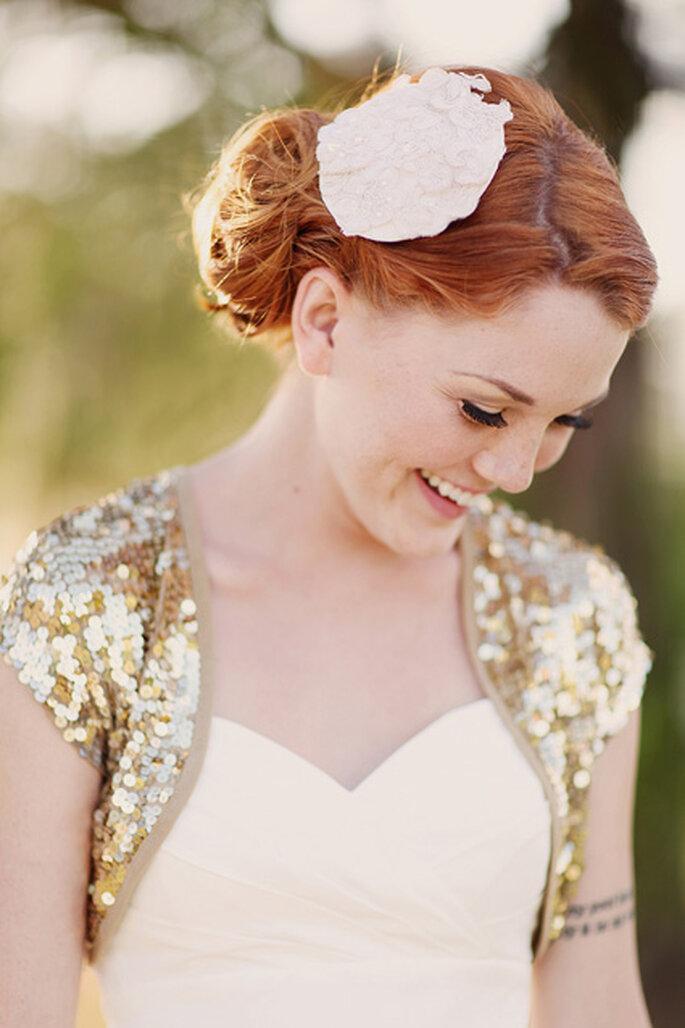 """Gold """"Confetti"""" Sequin Bridal Jacket. Foto de  Shannon Nicole Smith."""