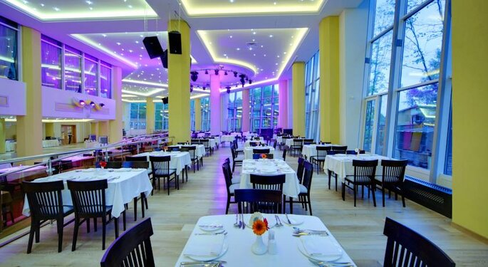 LES Art Resort