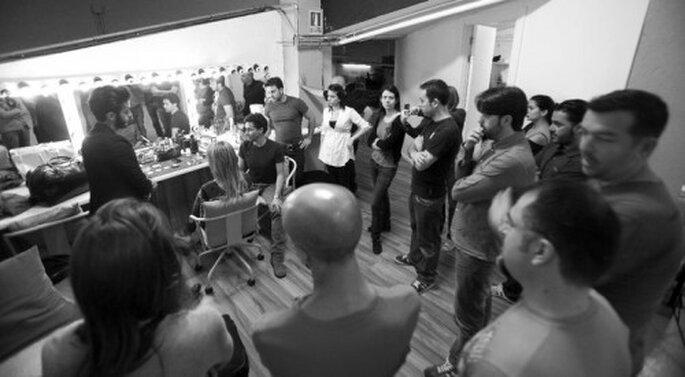 Moncho Moreno impartiendo un curso de maquillaje. Foto: Mario Sierra