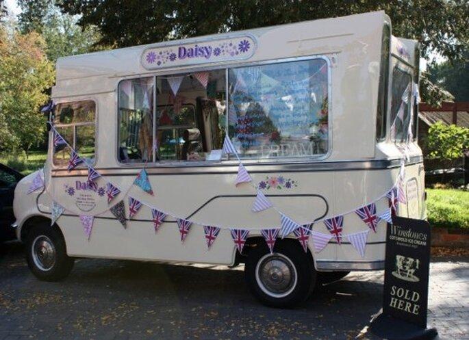 Daisy, le camion de glaces vintage - daisyicecreamvan.co.uk
