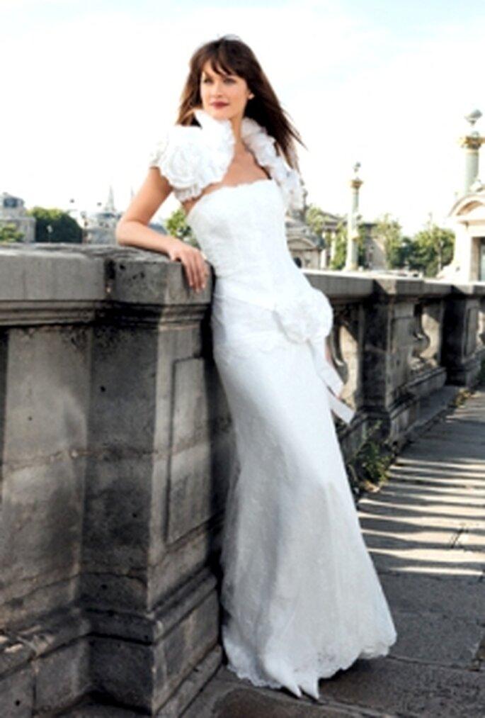 Cymbeline 2010 - Dyra, vestido en encaje chantilly y cinturón en tafetán