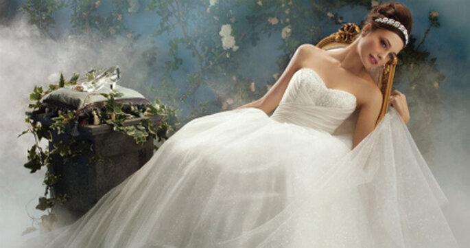 Una boda de cuento con vestido de novia de Princesa Disney
