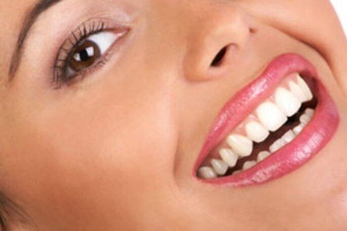 Los labios y los dientes deben estar perfectos en la boda