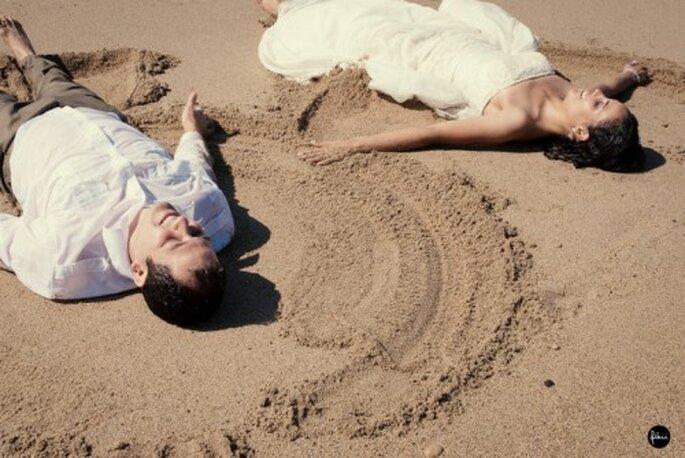 Boda de Ari y Jorge en la playa. Fotografìa Flaiifoto