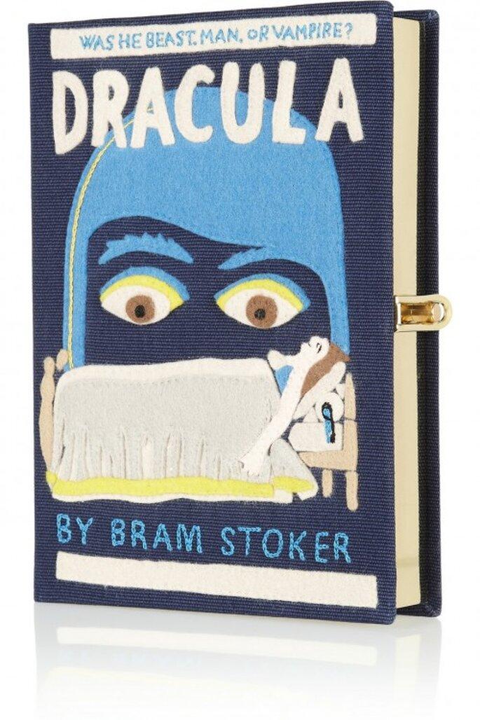 """Bolso de fiesta con forma de libro """"Dracula"""" - Foto Olympia Le Tan"""