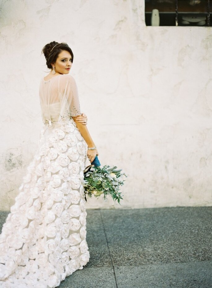 Estilismo perfecto para tu boda civil - Foto Ashley Kelemen
