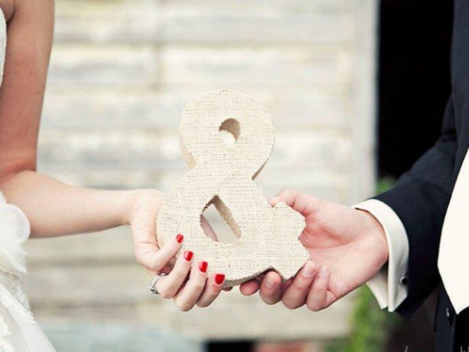 """El signo """"&"""" sirve para simbolizar la unión de la pareja. Foto:Once Like a Spark"""