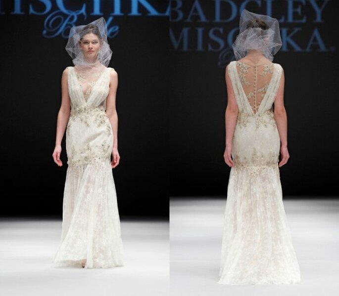 Vestido de novia corte sirena con inspiración barroca en bordados color oro y marco ilusión en la espalda - Foto Badgley Mischka