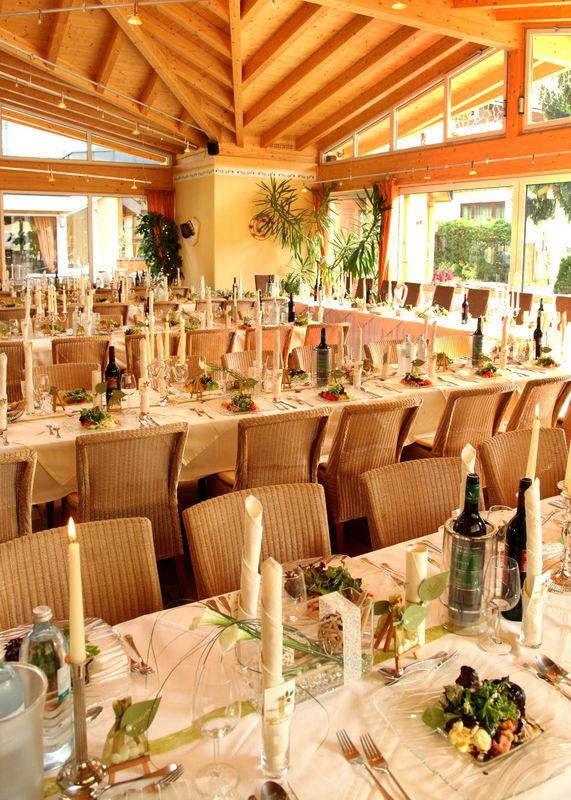 Beispiel: Hochzeitssaal, Foto: Verwöhnhotel Vötters Sportkristall.