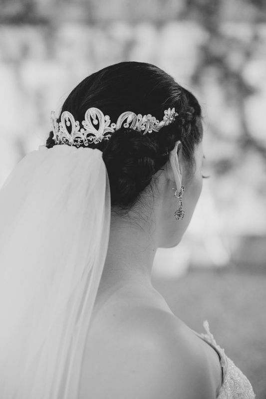 tiara en media corona de filigrana de plata pura con cristales de swarovski