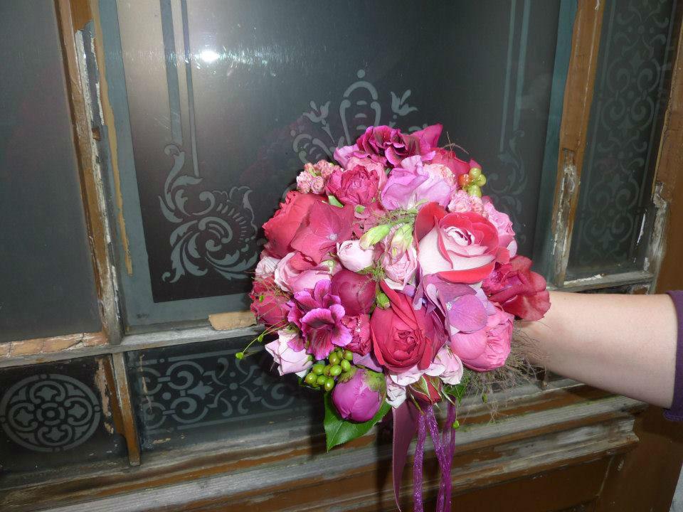 Beispiel: Einzigartige Brautsträuße, Foto: Blumenstube Rath.