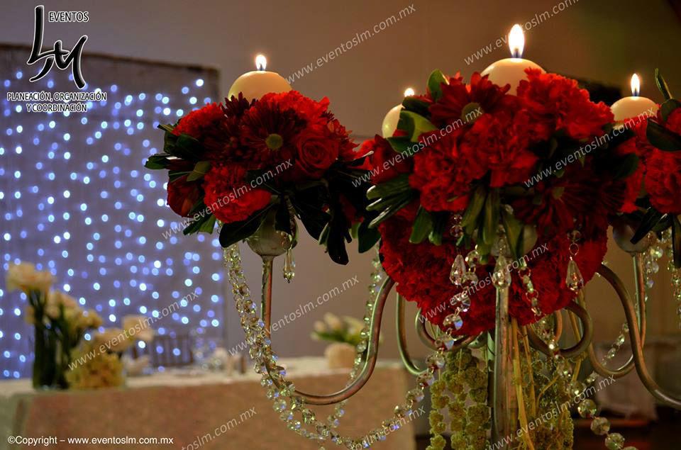 Mario Delgadillo, Professional Wedding Planner, Centro de mesa en color rojo