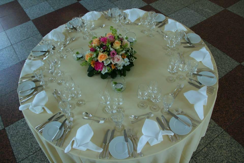 Beispiel: Tischdekoration, Foto: Blumen Damerius.