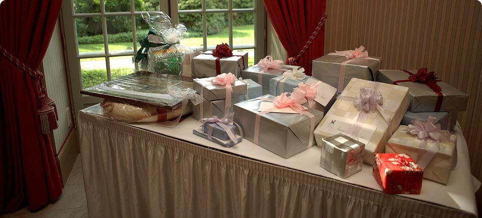 Beispiel: Hochzeitsgeschenke, Foto: Brenners Park-Hotel & Spa.