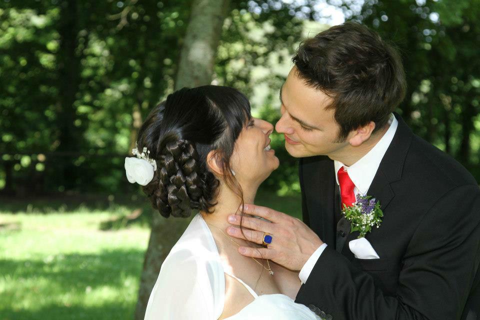 Beispiel: Hairstyling zur Hochzeit, Foto: Die Rollenden Friseure. Stylistin: Tanja Ill