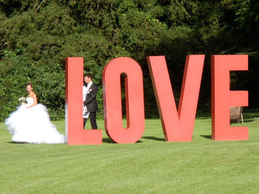 LOVE, sculpture dans le parc