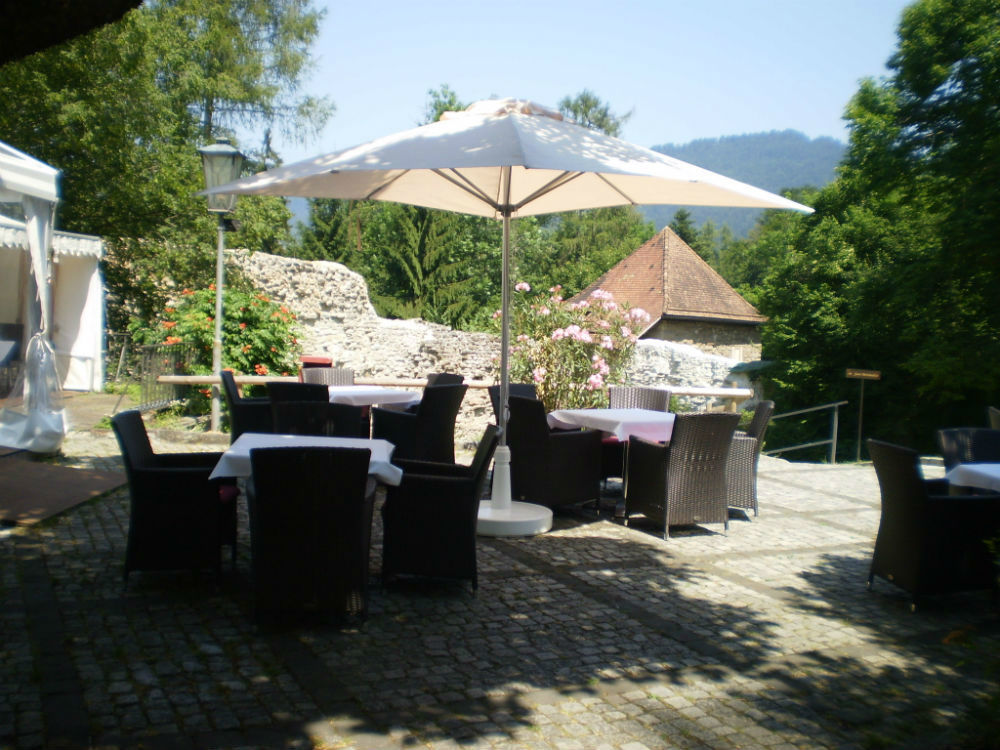 Beispiel: Burghof, Foto: Burgrestaurant Gebhardsberg.