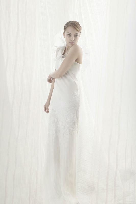 Beaumenay Joannet Paris - robe de mariée dentelle et soie plissée