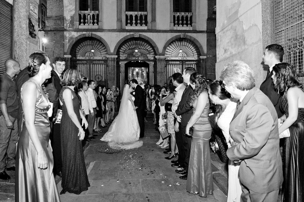 Noivas - Herança portuguesa a Igreja Nossa Senhora da Lapa dos Mercadores , na famosa Rua do Ouvidor - Rio Antigo - Rio de Janeiro