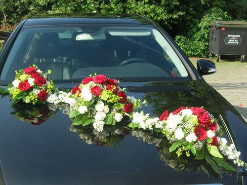 Beispiel: Hochzeitsdekoration Auto, Foto: Beko Blumen.