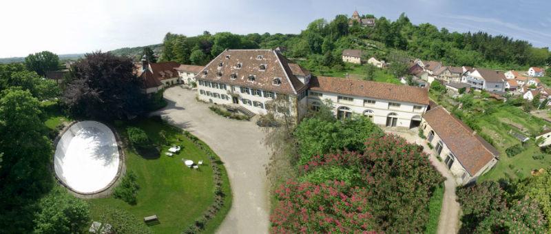 Beispiel: Luftaufnahme vom Schloss, Foto: Schloss Heinsheim.
