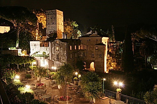 Hotel Rufolo di notte